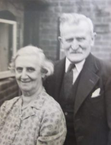 My great grand parents, Richard John and Esther Annie Holl